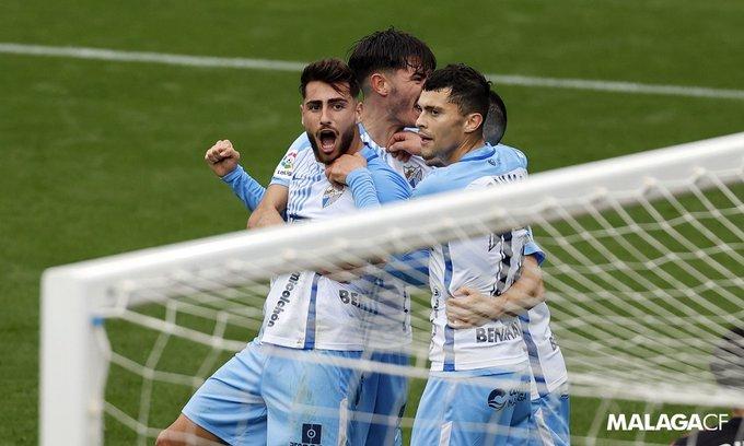La crónica: «Luis Muñoz mete la quinta marcha y lanza al Málaga CF»