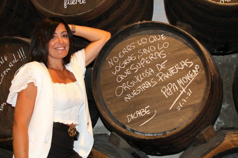 Lee más sobre el artículo Pepa Moreno recibe un reconocimiento en El Pimpi Málaga